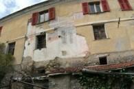 Casa semindipendente su 4 livelli da ristrutturare.