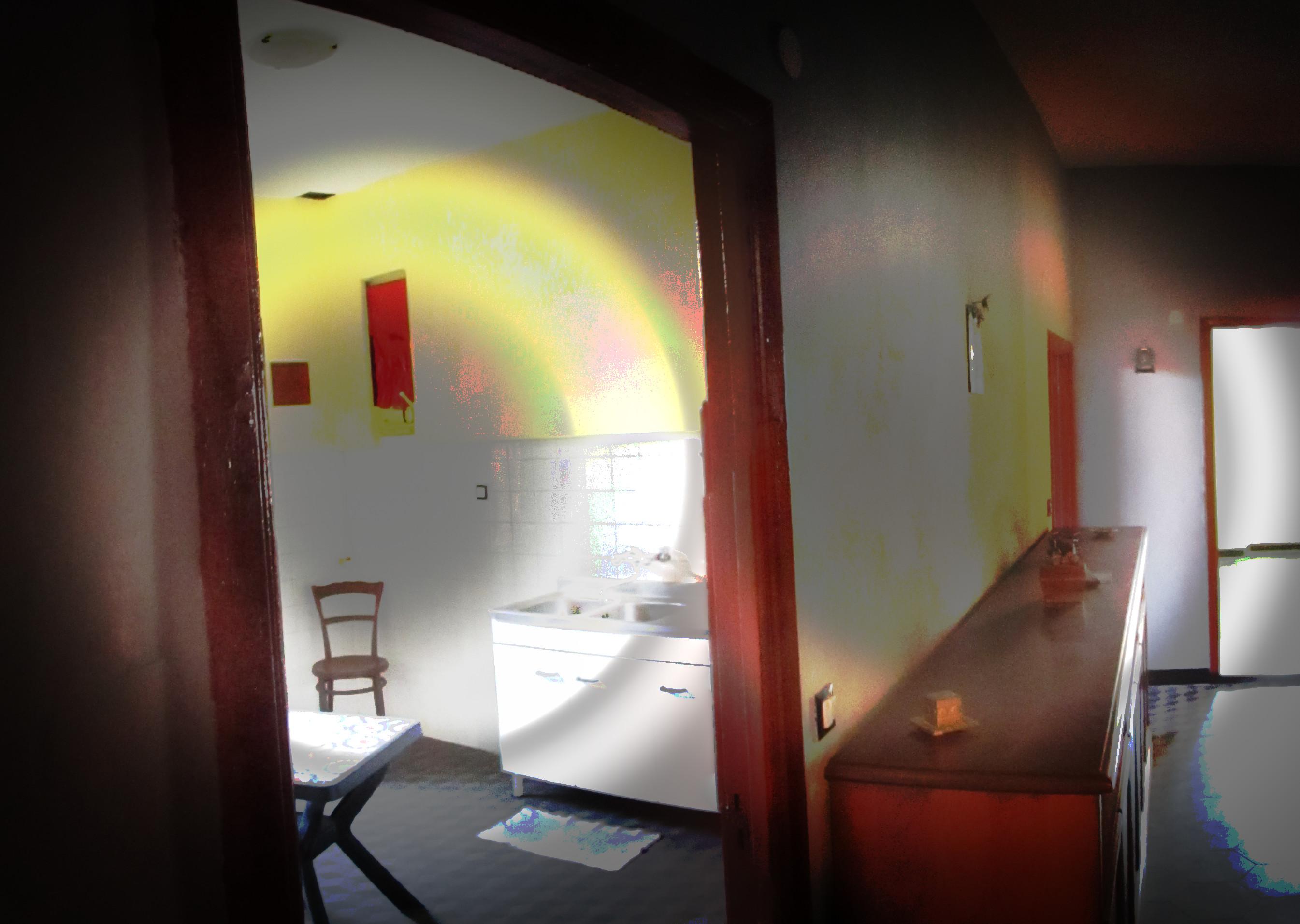 Nel cuore del centro storico ampio e luminoso alloggio for Arredo bagno albenga