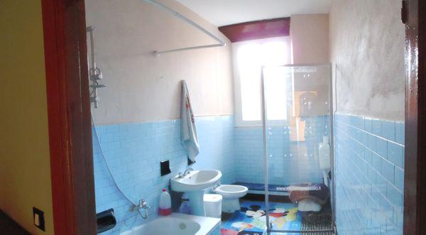 Nel cuore del centro storico ampio e luminoso alloggio - Arredo bagno albenga ...