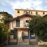 In villa centralissima piccolo 3 locali ristrutturato. a  per