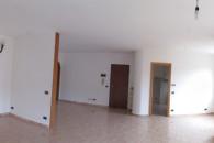 ultimo piano ampio alloggio angolare, oltre a box di 52 mq.