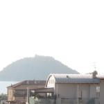 in palazzo ristruttrato 5° piano con ottima vista mare ed isola Gallinara a  per