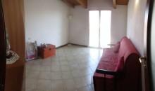 La camera.