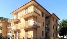 In piccola palazzina 3 locali angolare con grandi balconi. a  per