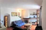 Albenga frazione in casa ligure su 2 livelli, no condominio.