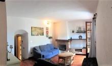 Albenga frazione in casa ligure su 2 livelli, no condominio. a  per