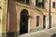 Ampio negozio angolare nel cuore del centro storico