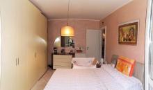 Una camera.